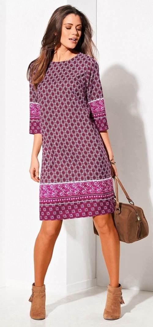 c9d8e8f661cc Výprodejové šaty rovného střihu s 3 4 rukávy