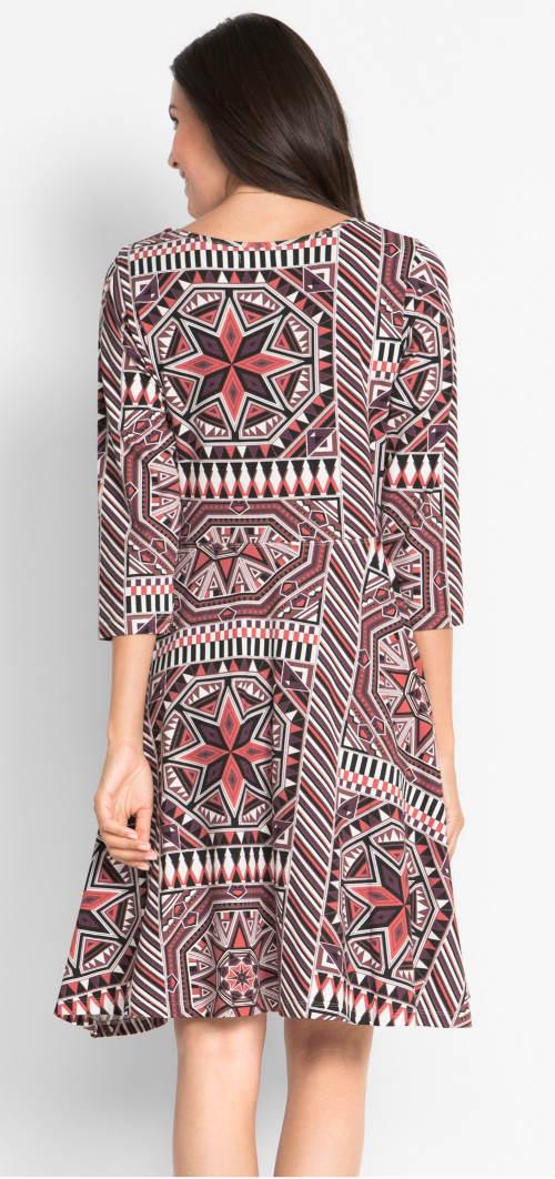 Dámské šaty s geometrickými obrazci