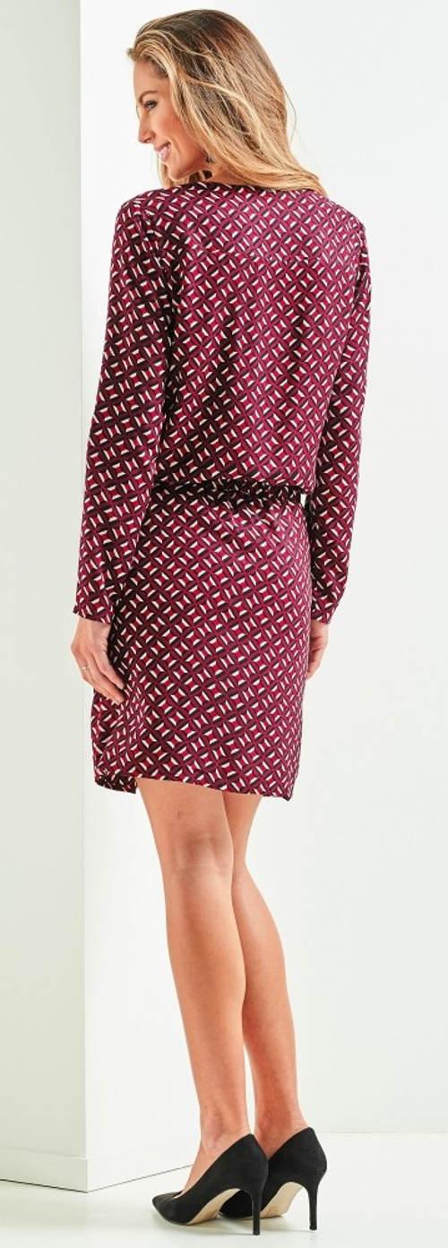 Fialové šaty do kanceláře