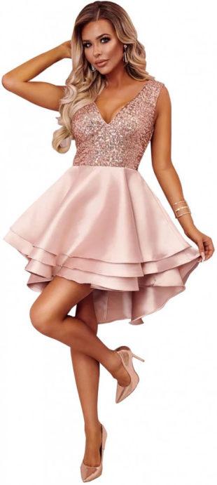 Krátké flitrové plesové šaty s vrstvenou sukní