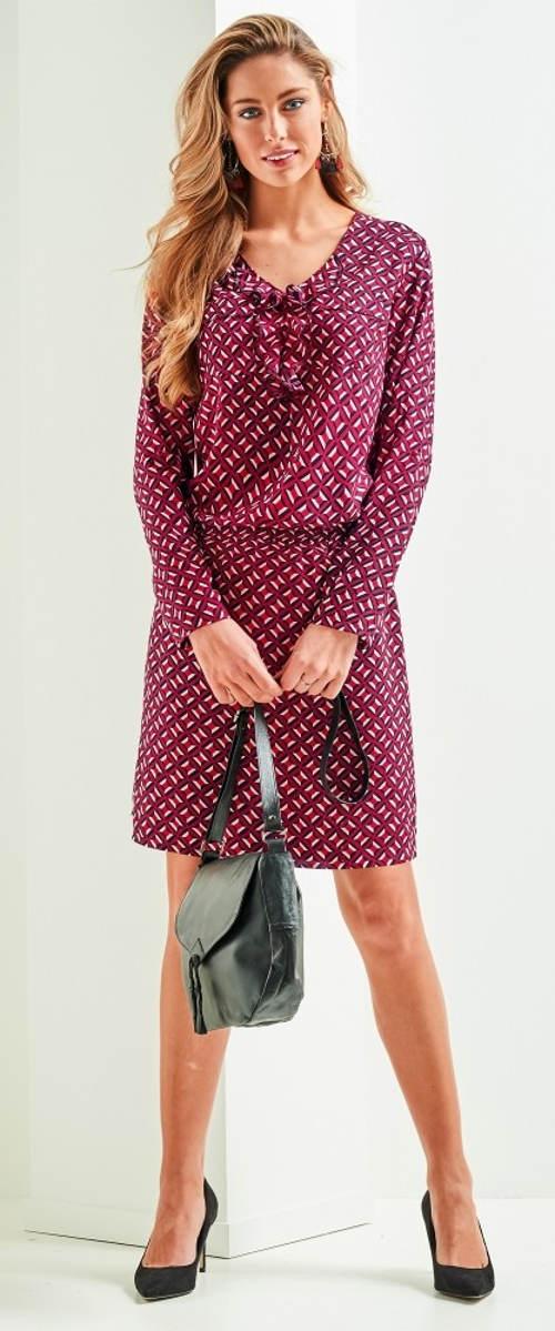 e352c89dd488 Nabírané fialové dámské šaty s gumou v pase