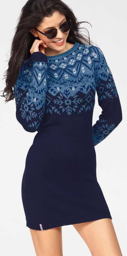 Pletené modré šaty se sněhovými vločkami