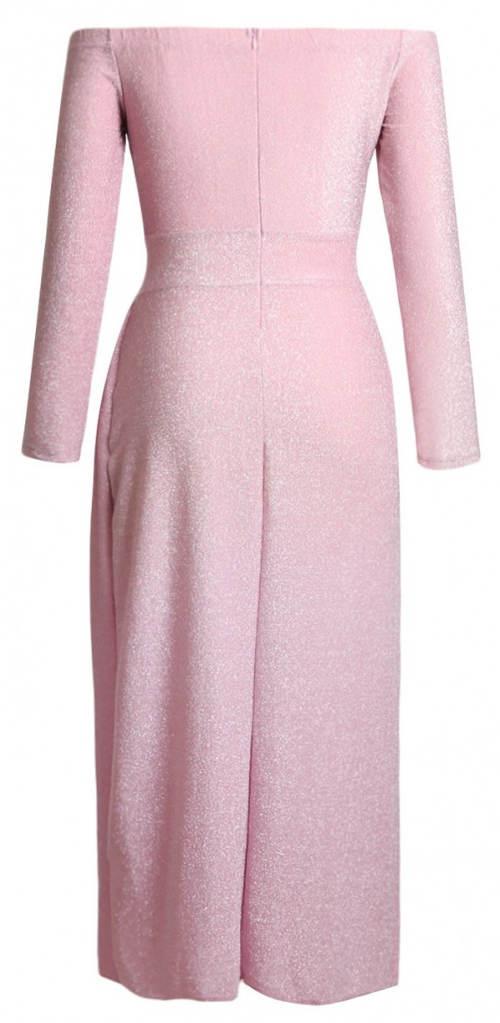 Růžové plesové šaty s lodičkovým výstřihem