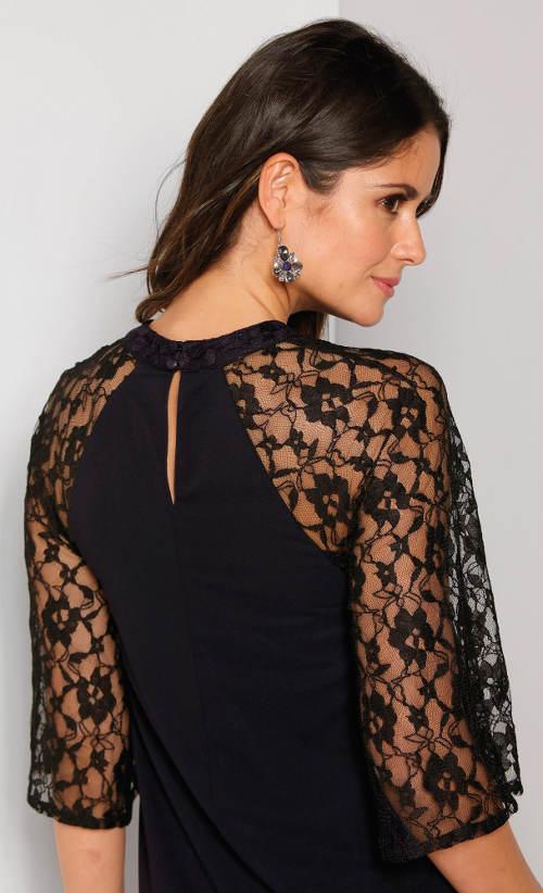 Černé šaty z noblesní krajky