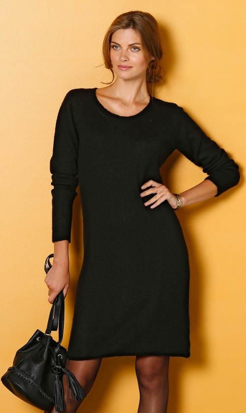 Černé úpletové šaty pro plnoštíhlé ee95cdc0ef