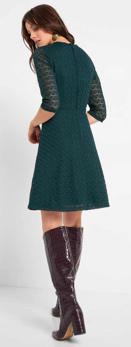 Dámské společenské šaty ze zelené krajky