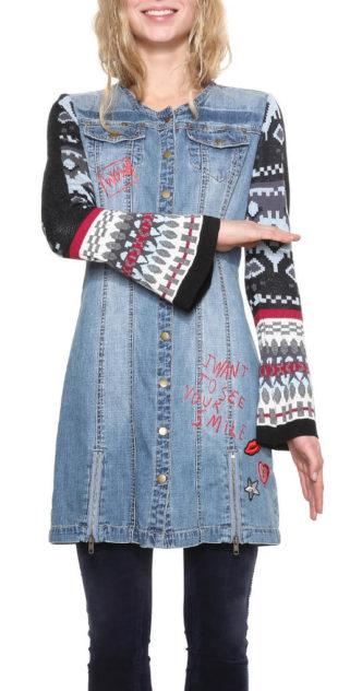 Džínové šaty Desigual s úpletovými rukávy