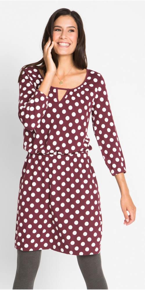 Fialové retro šaty k legínám