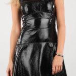 Lesklé černé koženkové dámské šaty Diesel