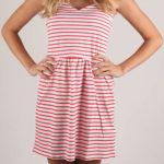 Levné pruhované letní šaty Terranova
