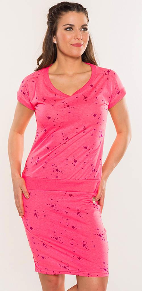 Růžové dámské šaty s hvězdičkami