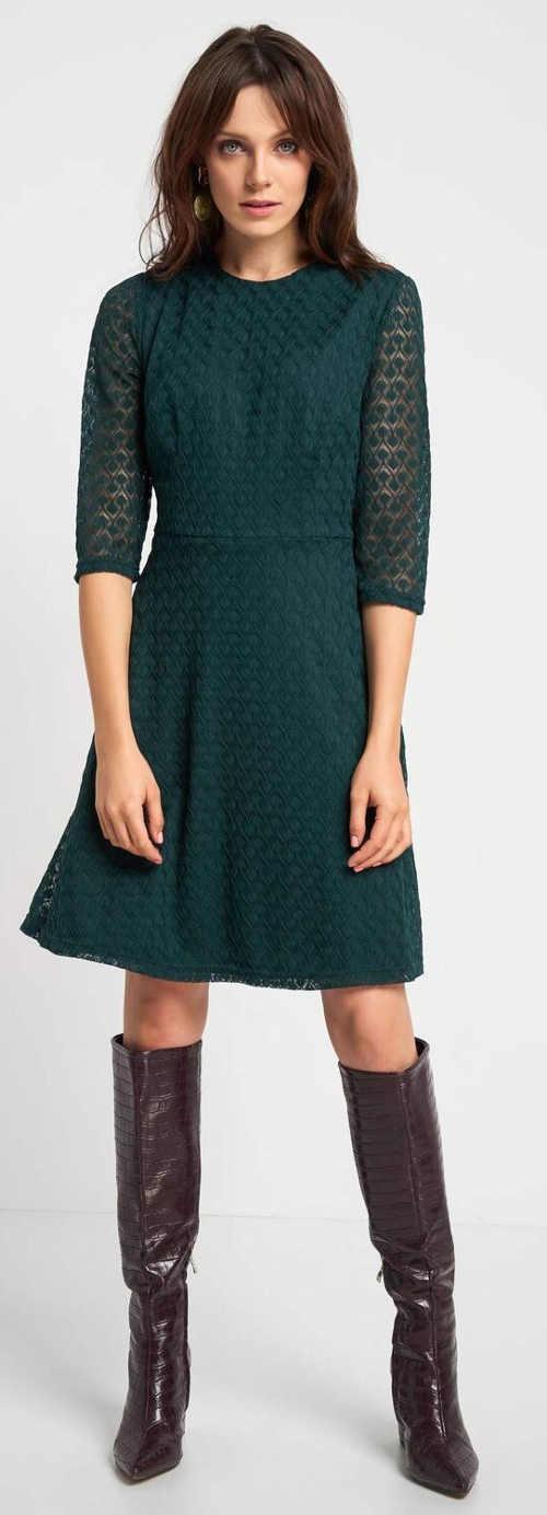 Zelené krajkové dámské šaty s třičtvrtečními rukávy