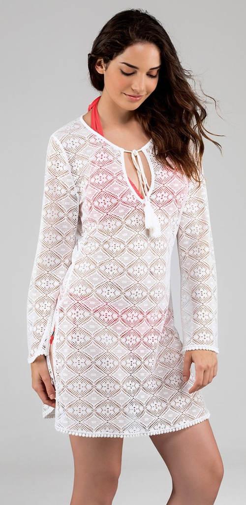 Bílé háčkované plažové šaty