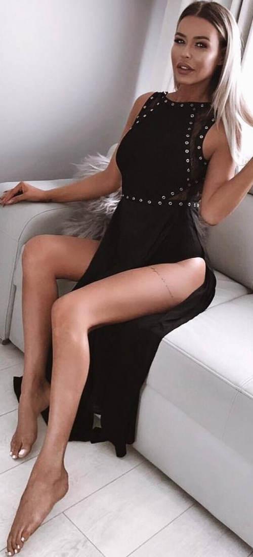 Dlouhé šaty s vysokými rozparky