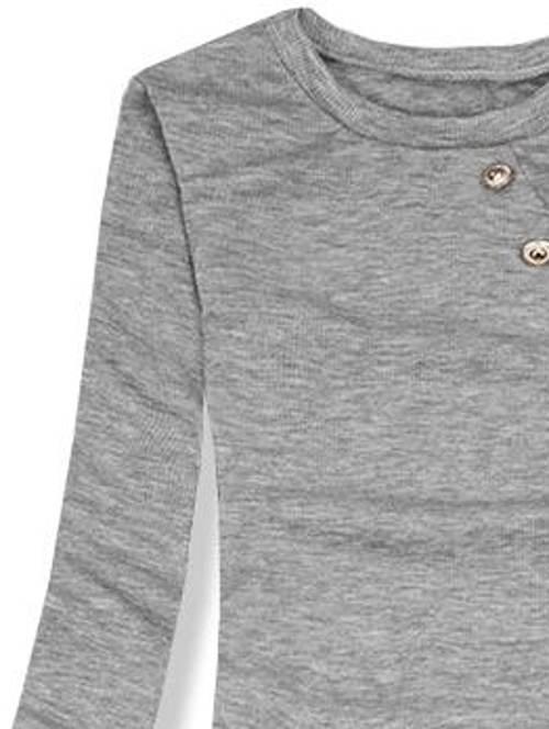 Levné šedé úpletové šaty