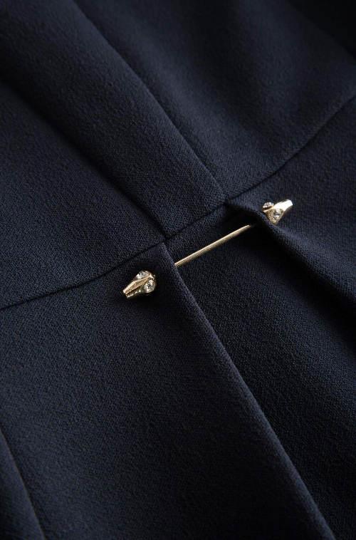 Ozdobný špendlík na šatech