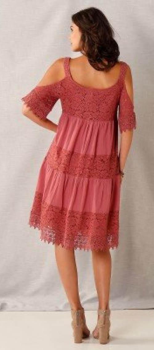 Růžové krajkové letní šaty