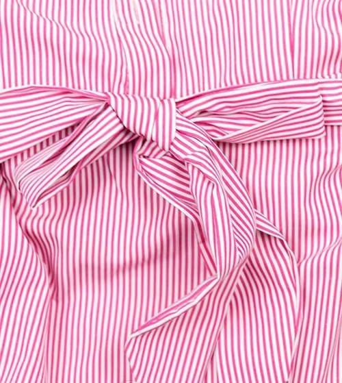 Růžové pruhované šaty s mašlí v pase