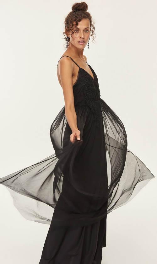 Dlouhé společenské šaty s šifónovou vlečkou