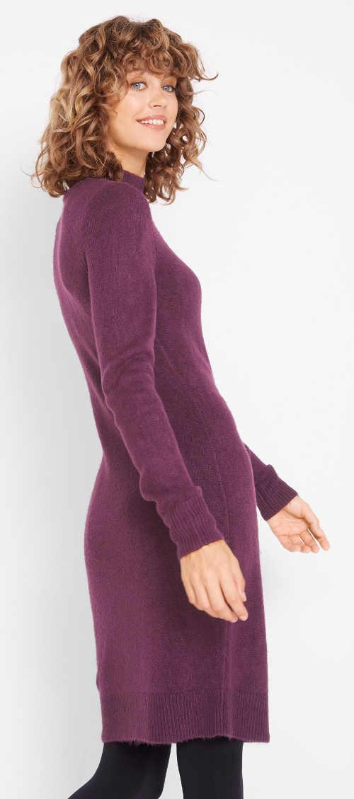 Fialové pletené zimní šaty