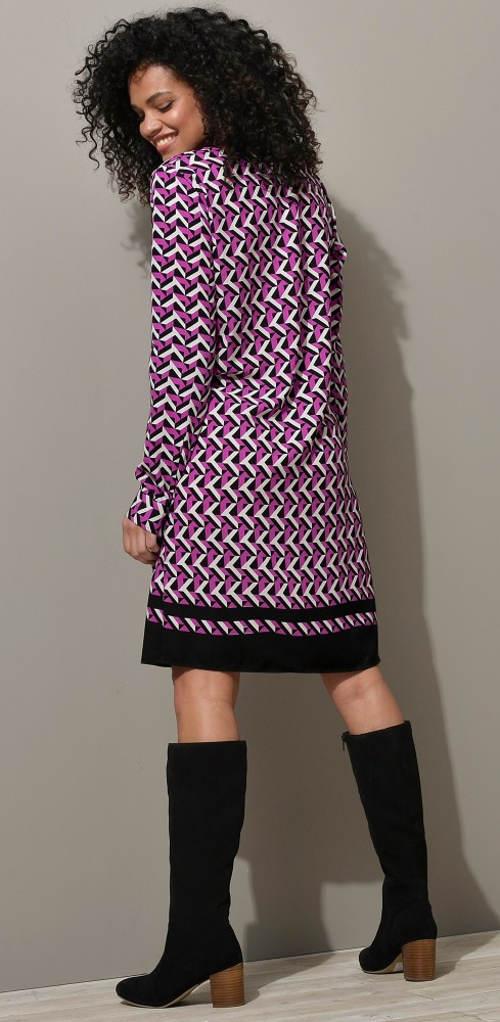 Fialové šaty ke kozačkám