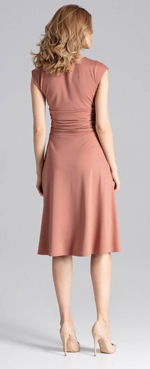 Hnědo-béžové šaty pro svatební matky
