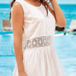Italské letní šaty s krajkovou výšivkou