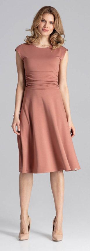 Světle hnědé šaty na svatbu jako host