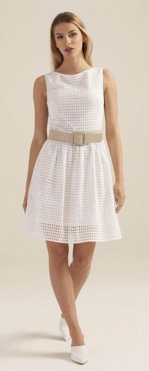 Bílé letní šaty z děrované látky