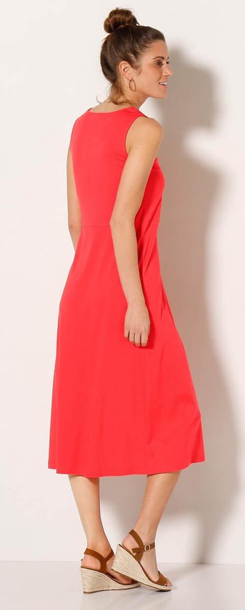 Dlouhé červené letní šaty pro plnoštíhlé