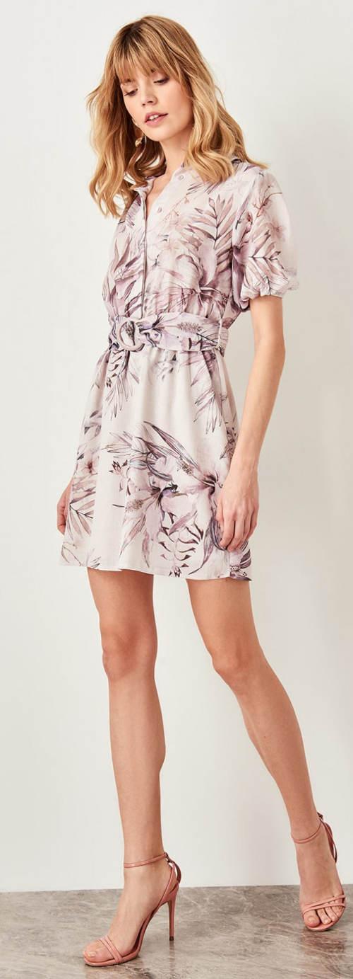 Krátké květinové letní šaty