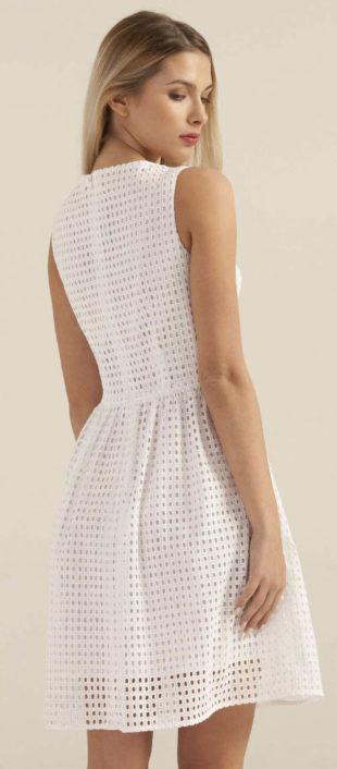 Letní romantické šaty z bílé madeiry