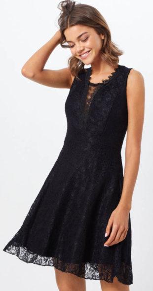 Černé koktejlové krajkové šaty