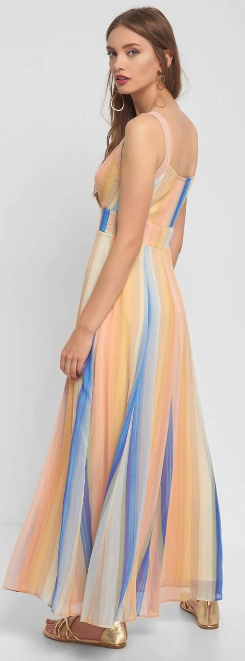 Lehké letní šaty s délkou po zem