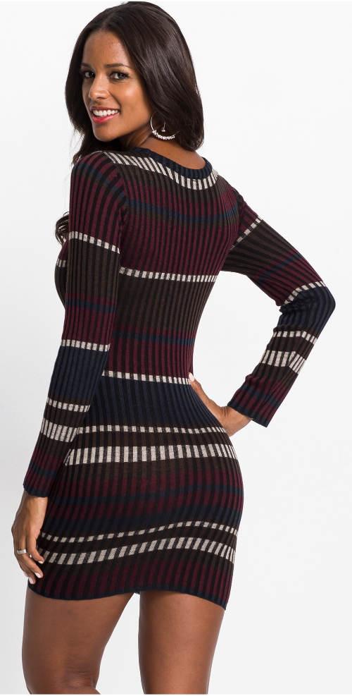 Pruhované úpletové šaty k legínám