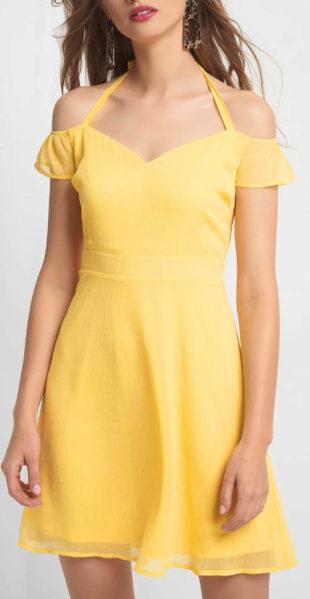 Žluté šaty s ramínky za krk a odhalenými rameny