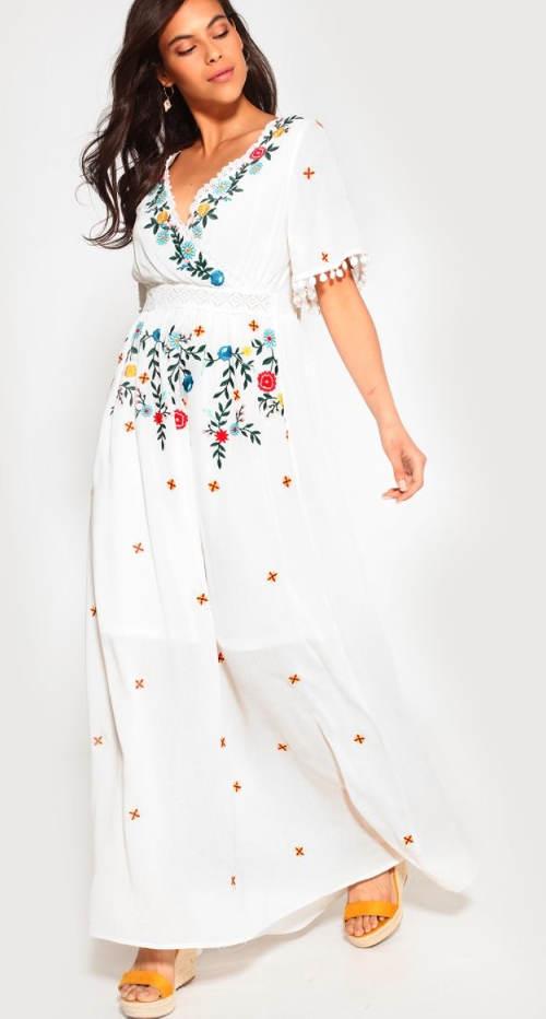 Dlouhé šaty s květinovou výšivkou
