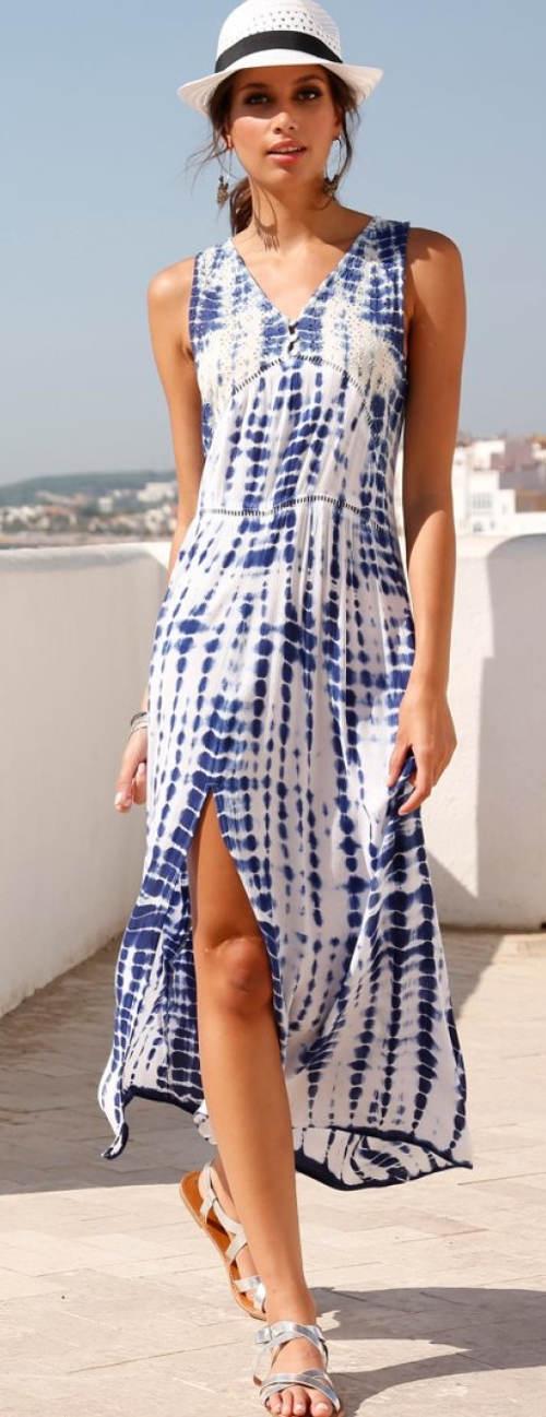 Dlouhé modrobílé batikované dámské šaty