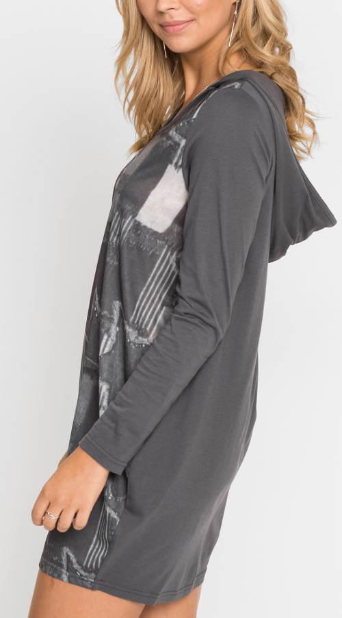 Šedé dámské šaty s kapucí