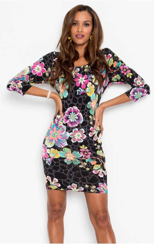 Květinové pouzdrové šaty s tříčtvrtečním rukávem