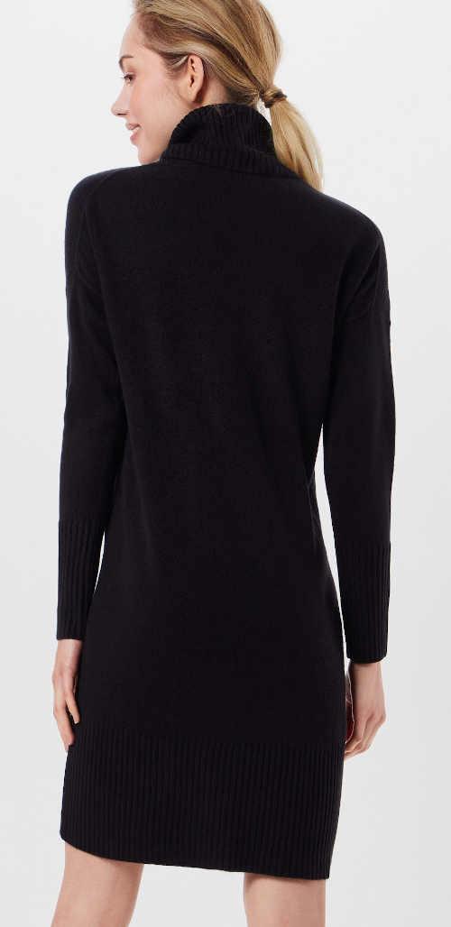 Černé úpletové šaty s dlouhým rukávem