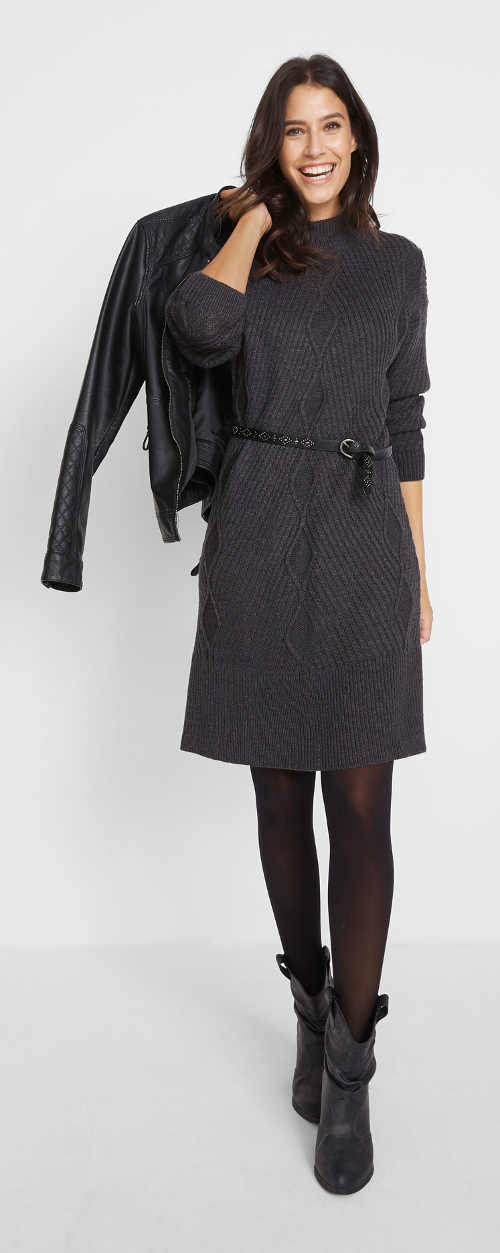Úpletové zimní šaty antracitové barvy