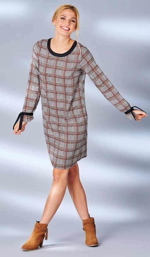 Volné karované dámské šaty