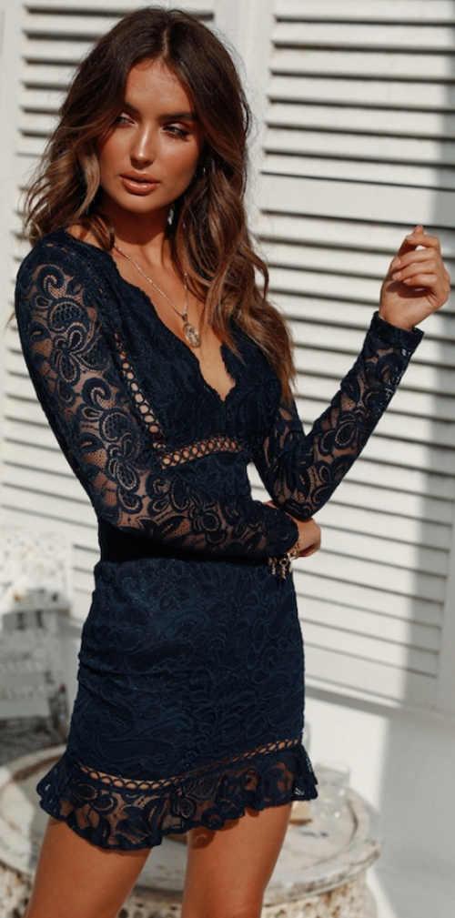 Modré společenské krajkové šaty s dlouhými rukávy