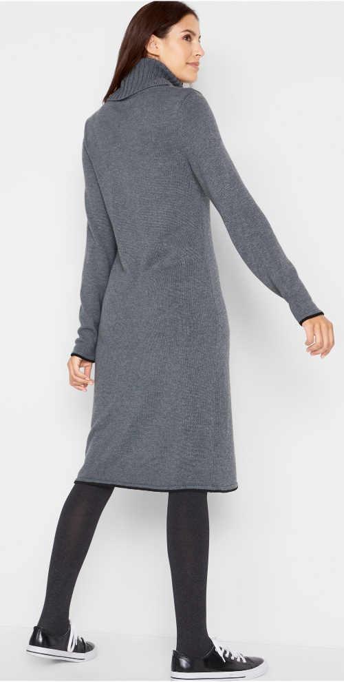 Delší šedé zimní šaty s rolákem