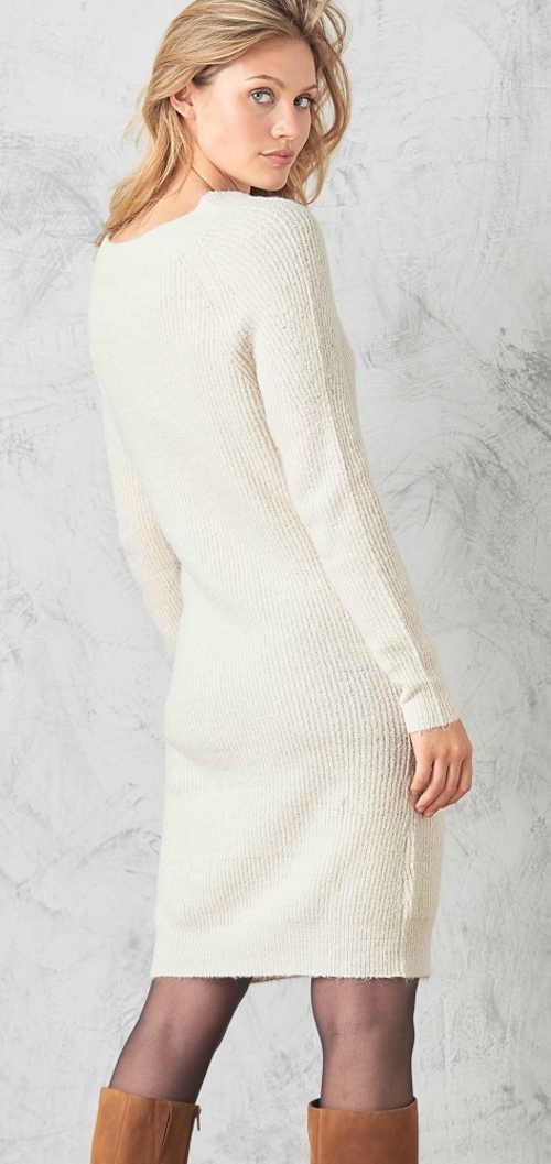 Pletené svetrové zimní šaty