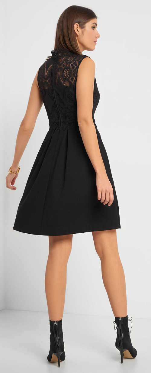 Černé plesové šaty s krajkou na zádech