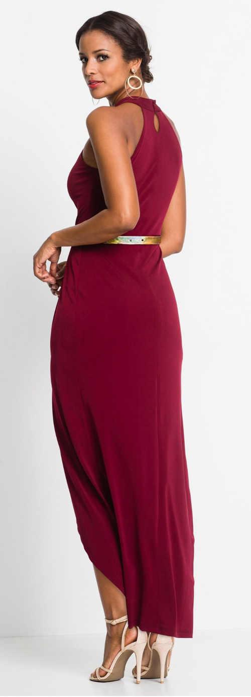 Dlouhé tmavě červené společenské šaty se zlatým páskem