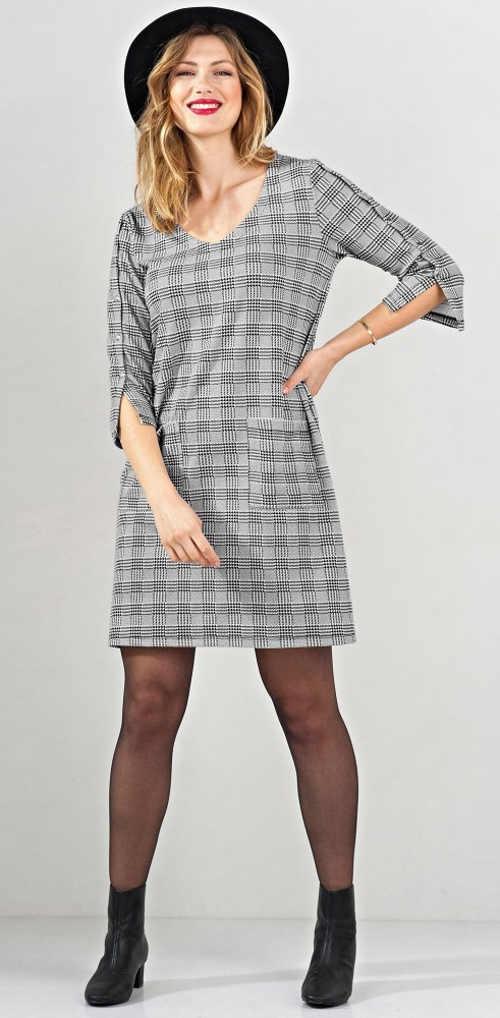 Kostičkované dámské šaty s tříčtvrtečním rukávem