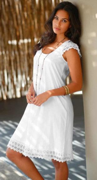 Lehounké letní šaty s macramé krajkou